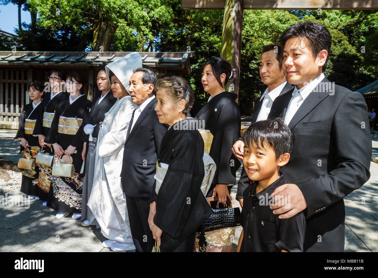 Matrimonio Con Uomo Con Figli : Tokyo giappone shibuya ku meiji jingu sacrario scintoista