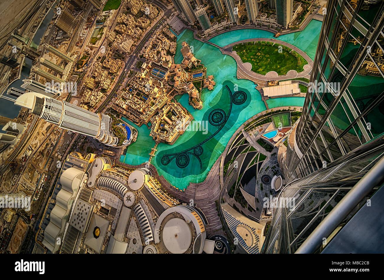 Dubai downtown vista aerea dal tramonto, Dubai, Emirati Arabi Uniti Foto Stock