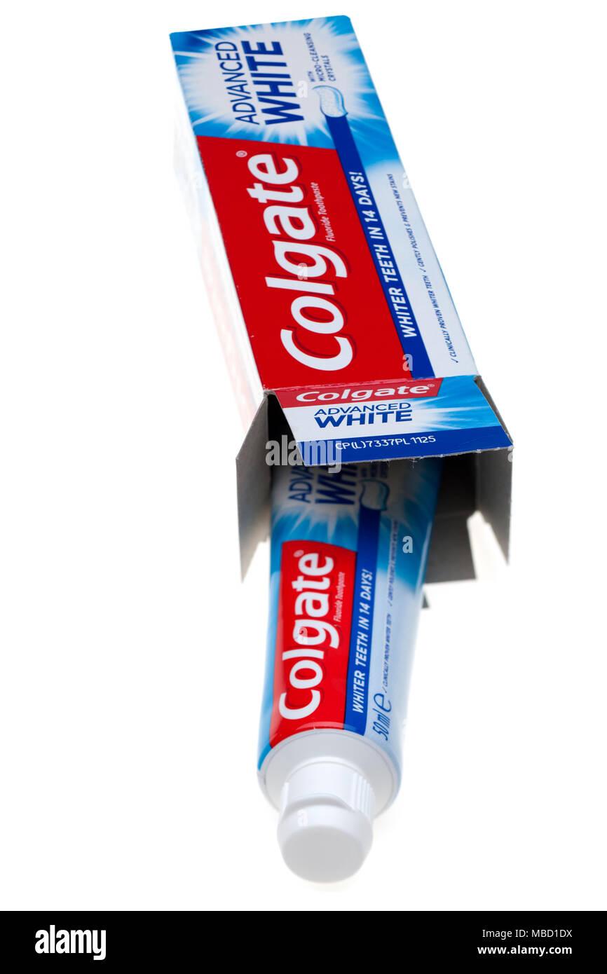 Colgate avanzato dentifricio bianco Immagini Stock