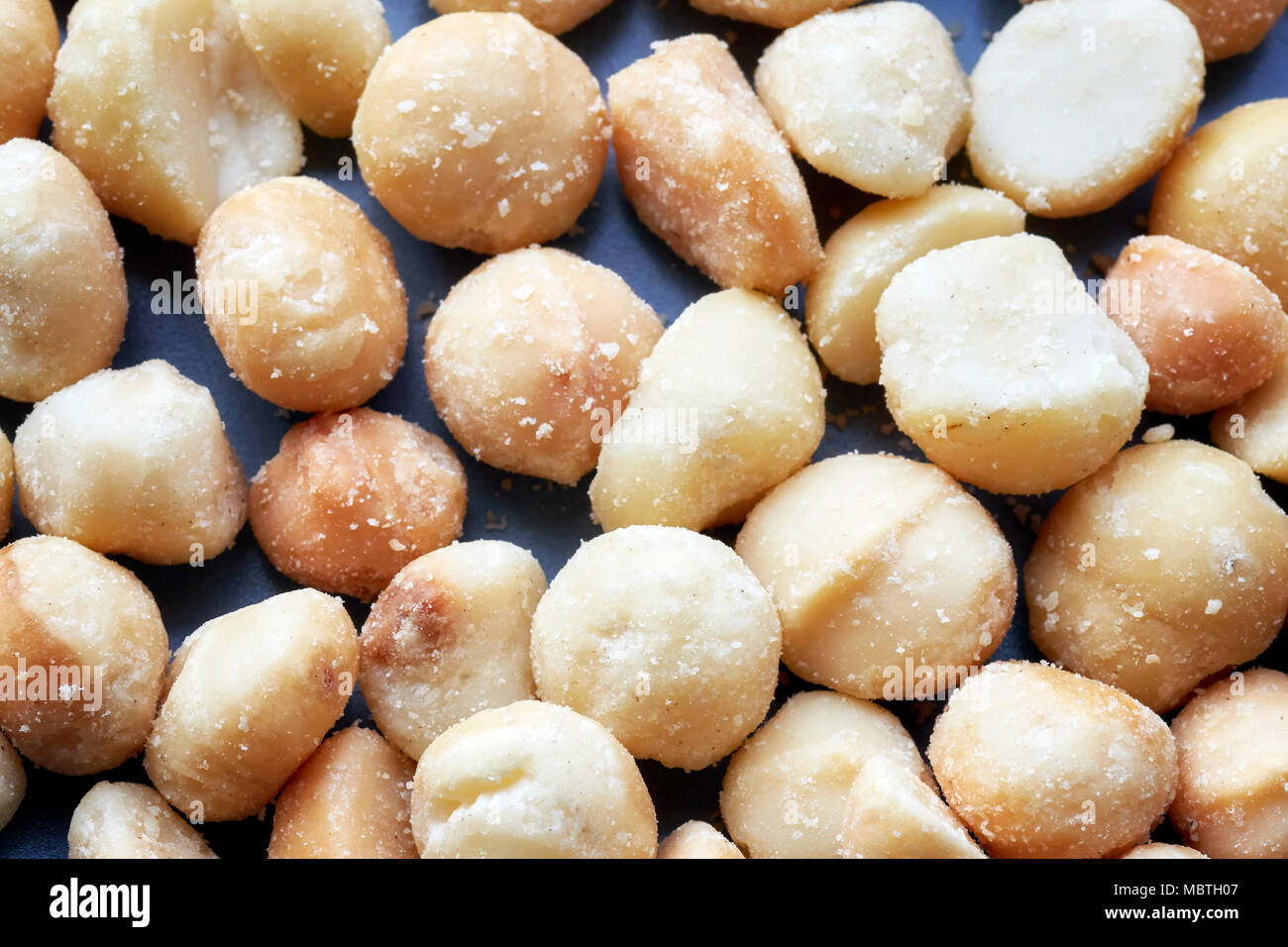 Close up foto di noci di macadamia, il fuoco selettivo. Immagini Stock