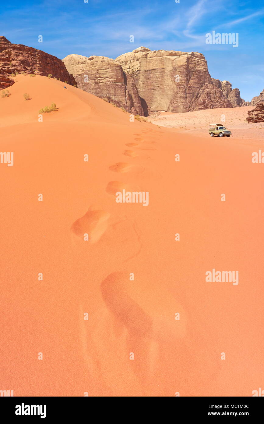Red dune di sabbia, Wadi Rum Desert, Giordania Immagini Stock