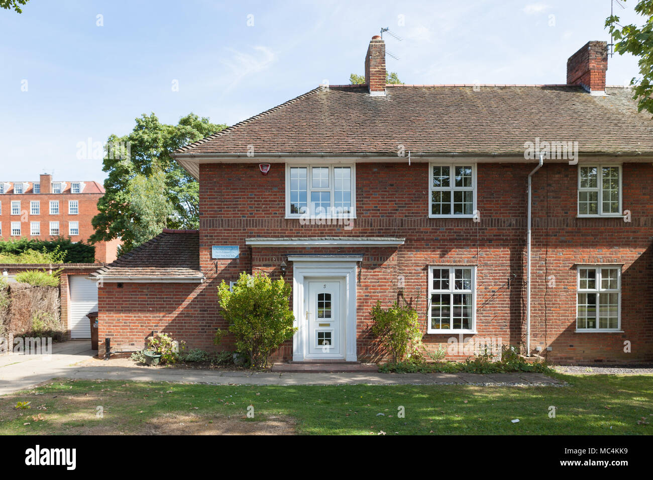 Sir Ebenezer Howard visse in questa casa sulla strada Guessen, a Welwyn Garden City, tra 1923-1928. Foto Stock