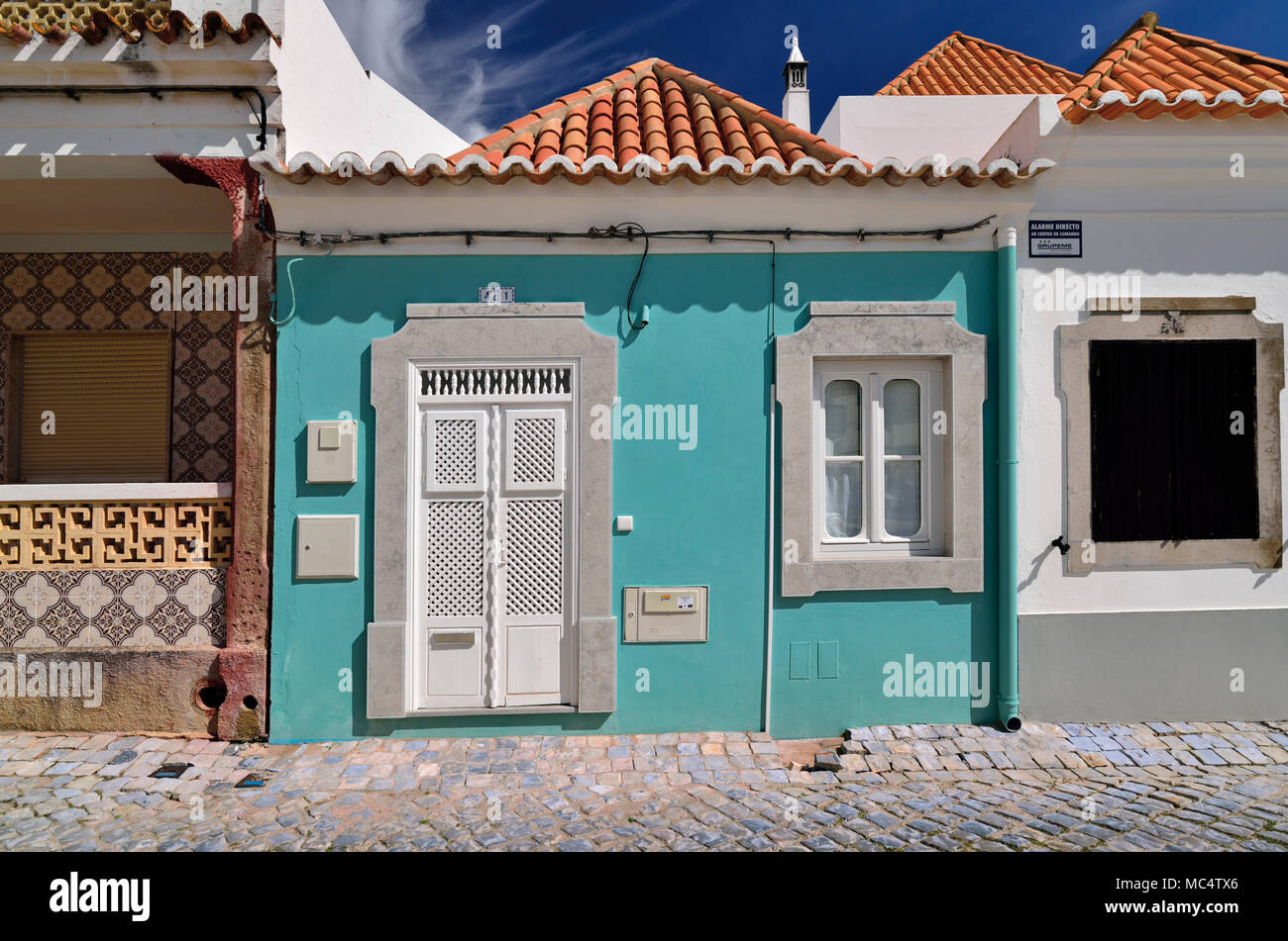 Affascinante piccolo case con architettura tradizionale Immagini Stock