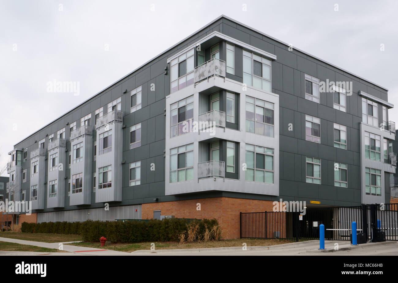 Detroit, Michigan STATI UNITI D'AMERICA, 6 Aprile 2018 : Abitare / Architettura dell'architetto Mies Van Der Rohe. Immagini Stock