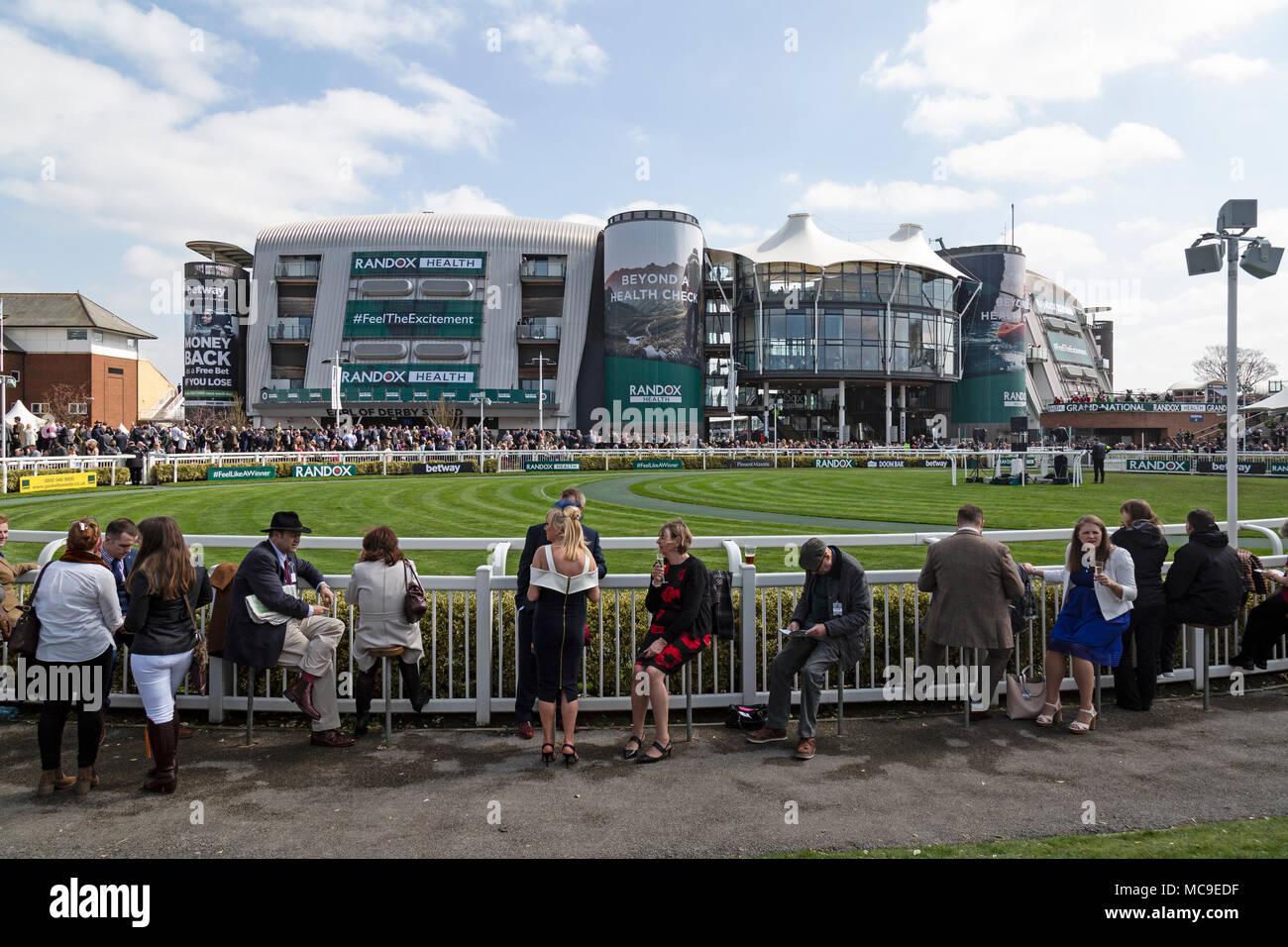 La Parade Ring presso l Ippodromo di Aintree di Liverpool 162d7e6bea05