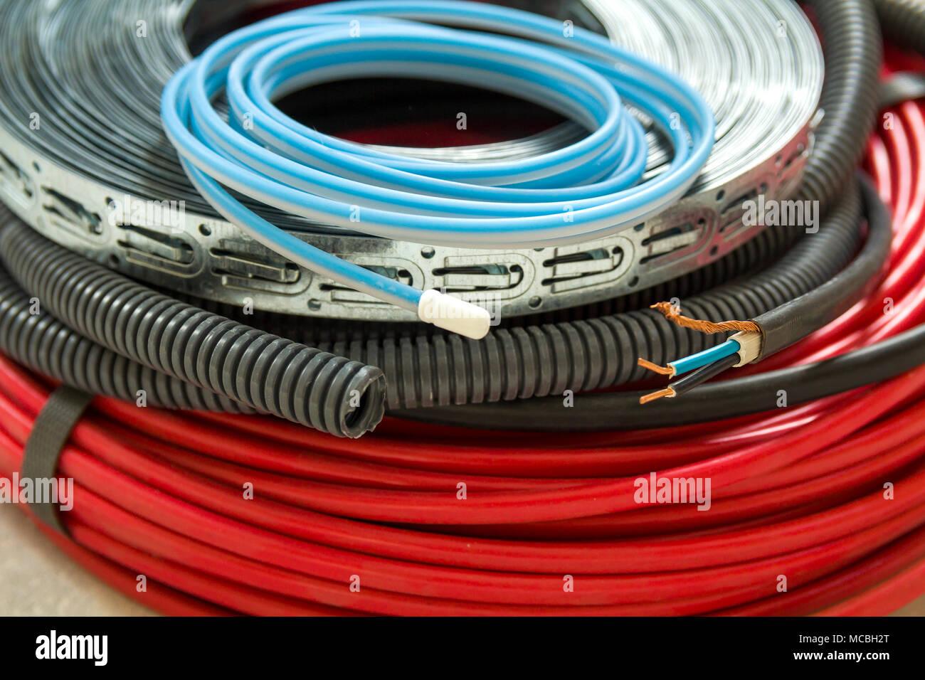Ristrutturazione Riscaldamento A Pavimento riscaldamento a pavimento i fili del sistema di cavi e
