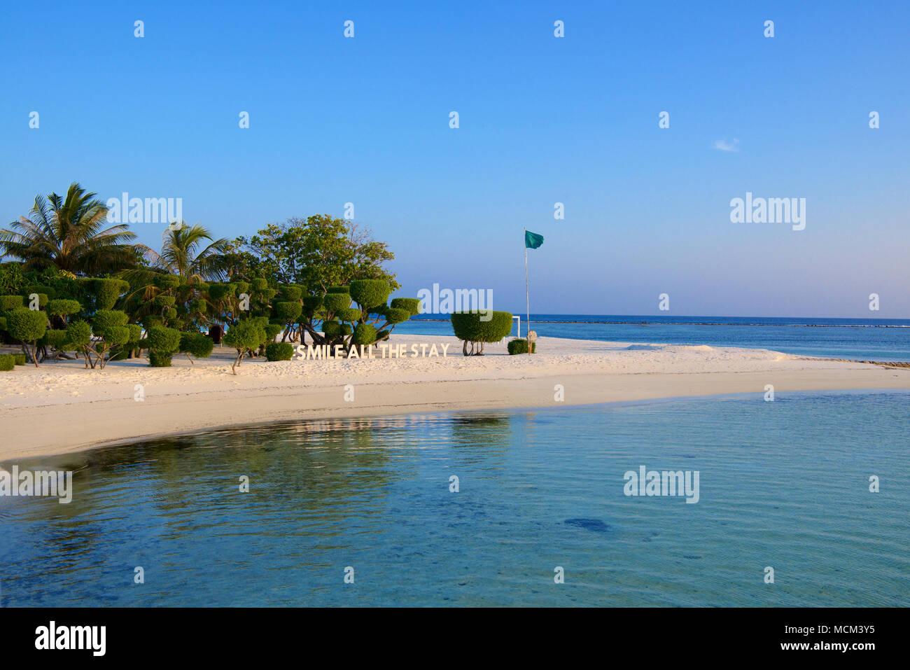 Sorridere tutto il soggiorno segno al tramonto Lux Resort South Ari ...
