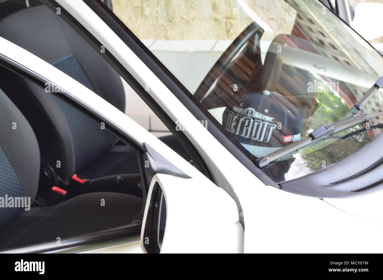 Carro branco Immagini Stock