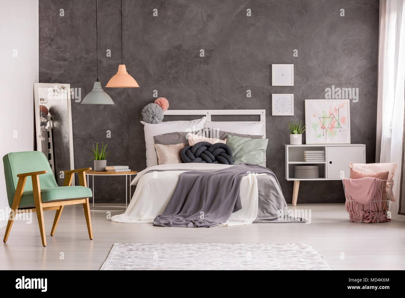 Credenza Per Camera Da Letto : Camera da letto luminoso interno con poltrona di menta pastello
