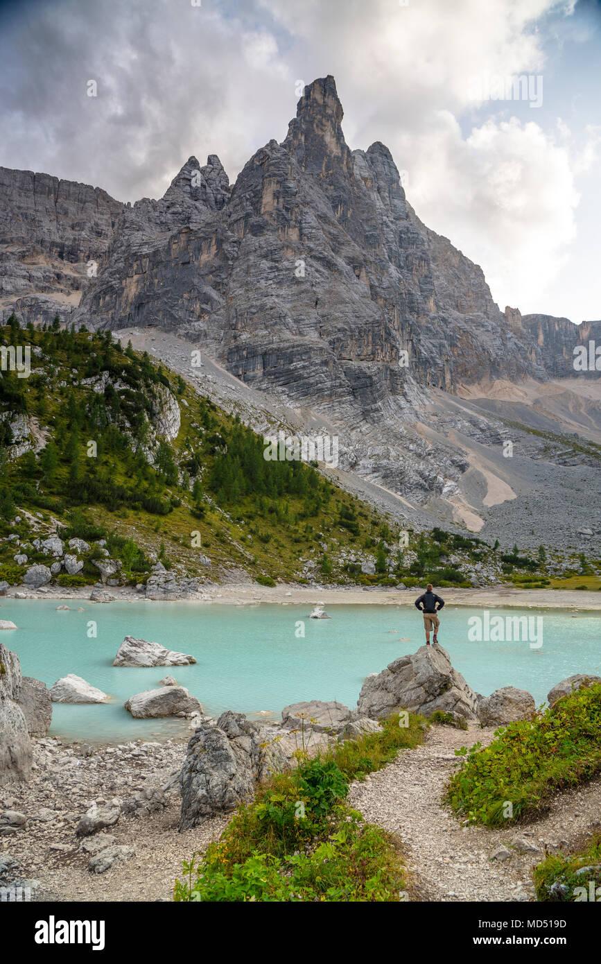 Dito di Dio e il Lago di Sorapiss, gruppo Sorapiss, Dolomiti, Alto Adige, Italia Immagini Stock