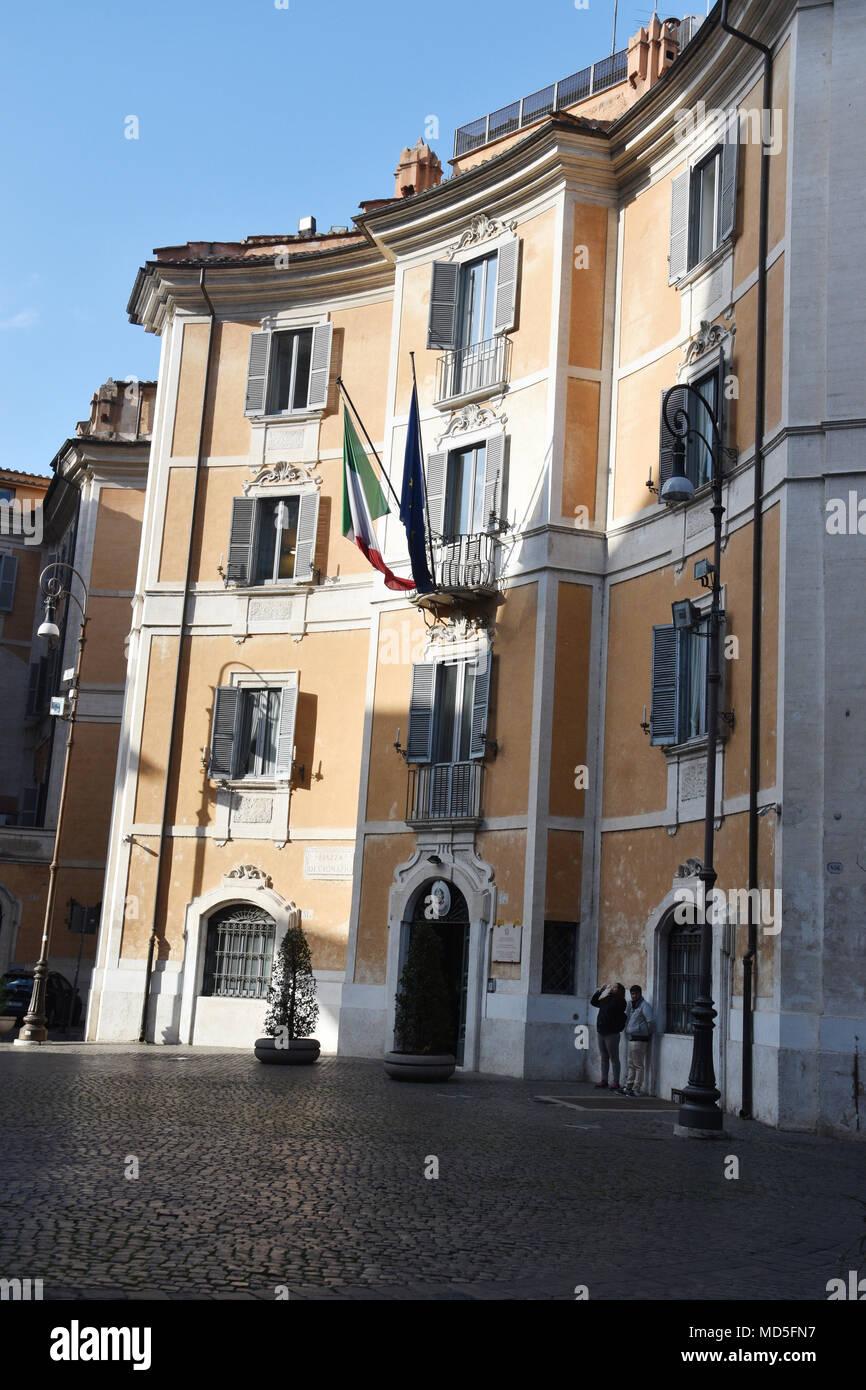 La sede centrale di Carabinieri per la tutela del patrimonio culturale e di  lotta alla contraffazione 89336131e885