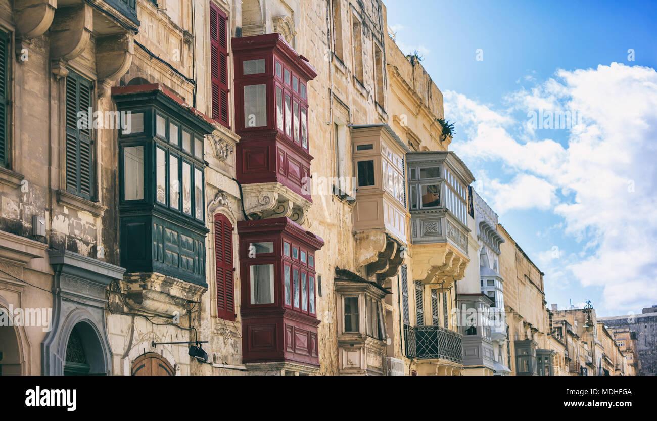 Malta, La Valletta, casa tradizionale facciata di edificio con ...