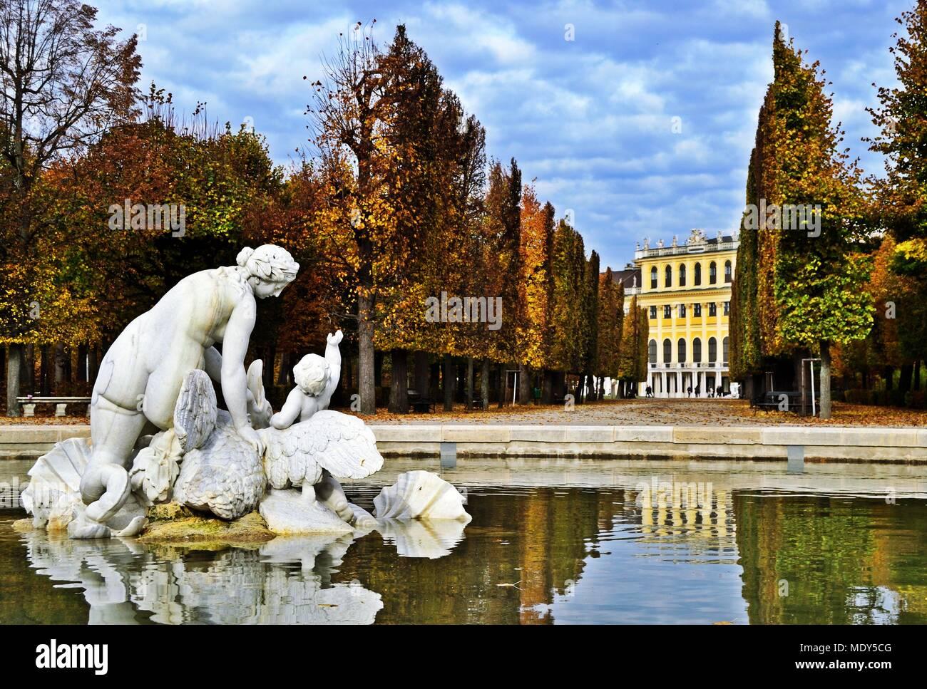 Fontana di Venere nel Palazzo di Schönbrunn park a Vienna, in Austria Immagini Stock