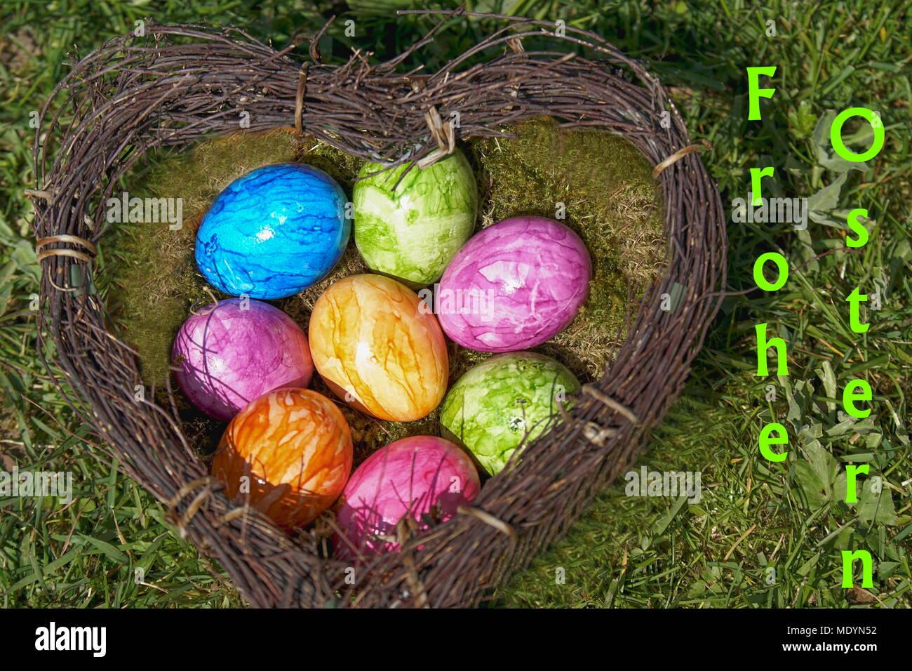 Herz mit bunten Ostereier Immagini Stock