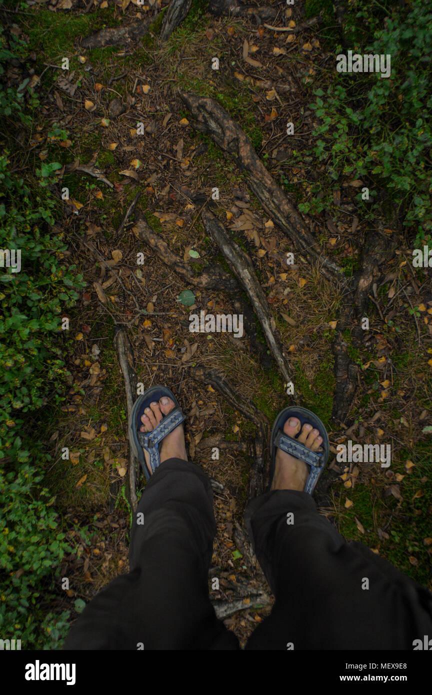 Con Di Vista Piedi Su In Uomo Il Punto Un Sandali Terreno JcFKl1T3