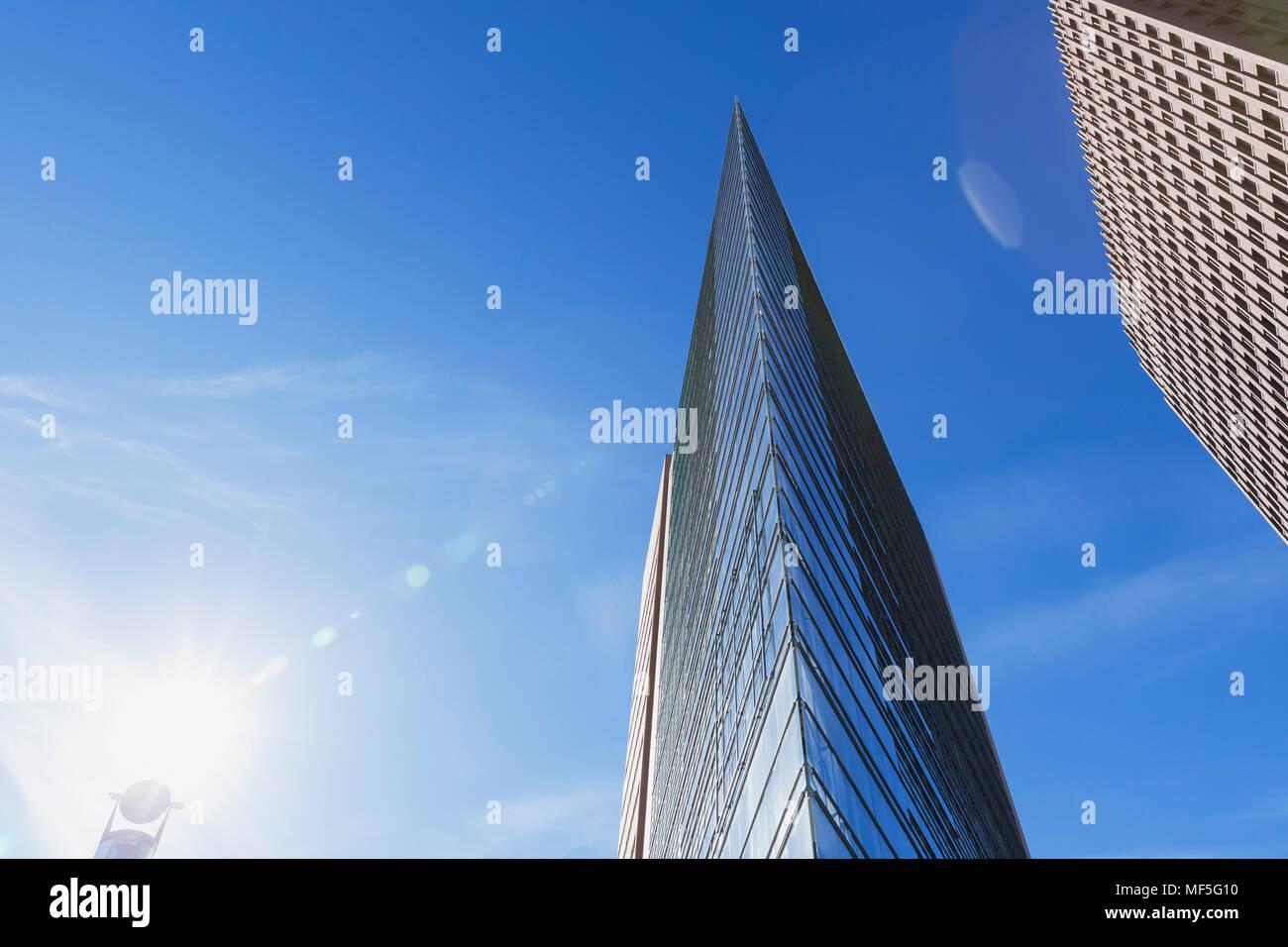 Germania, Berlino, grattacieli in Potsdamer Platz visto da sotto Immagini Stock