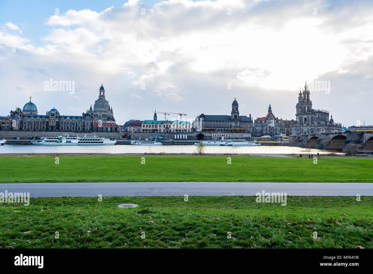 Paesaggio urbano di Dresda / skyline (Germania) Immagini Stock