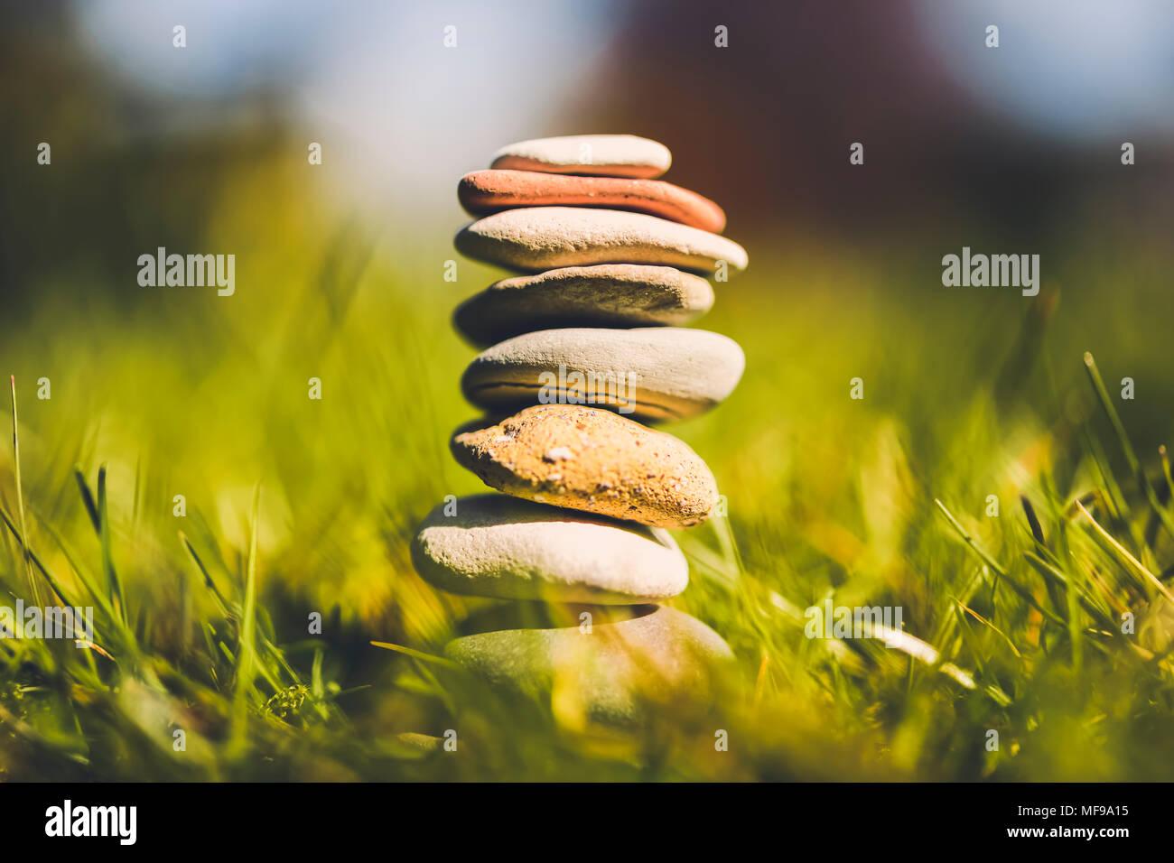 Pietre impilate, armonia, equilibrio Immagini Stock