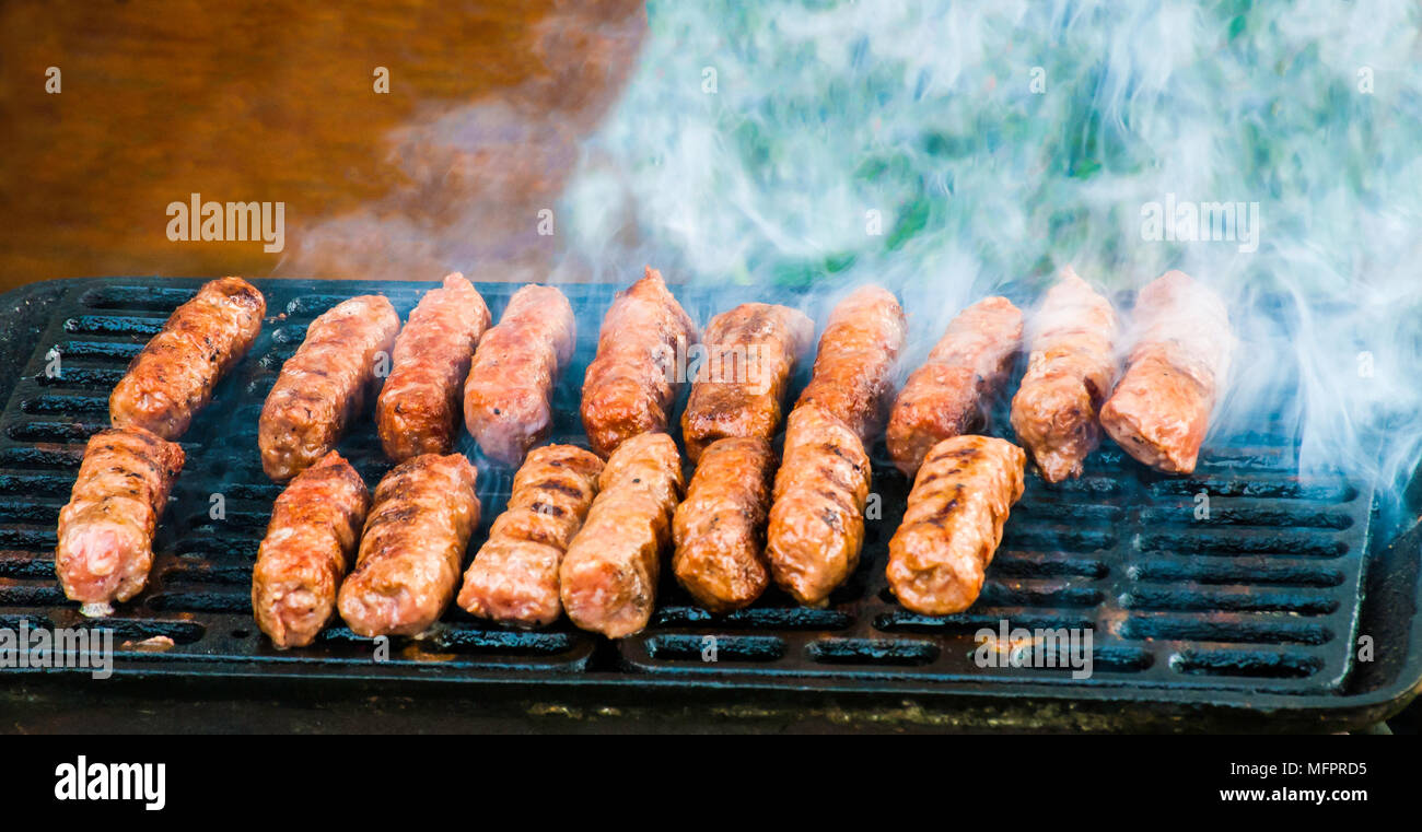 Kebab Cibo Fatto In Casa Tostatura Sul Grill O Barbecue Con Belle