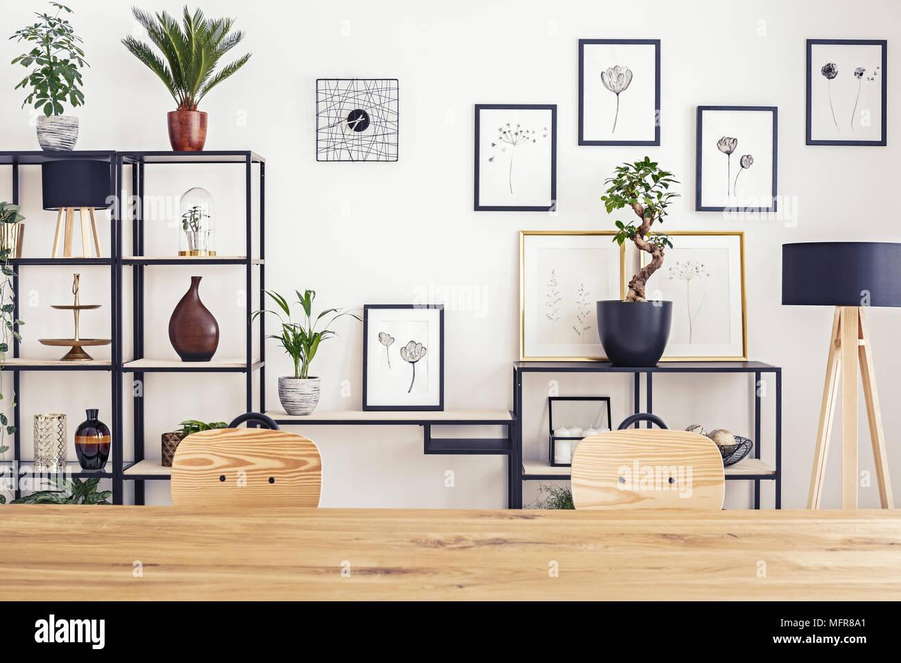 Sedie Bianche E Legno : Gruppo di sedie design scandinave legno e tessuto bianco antico