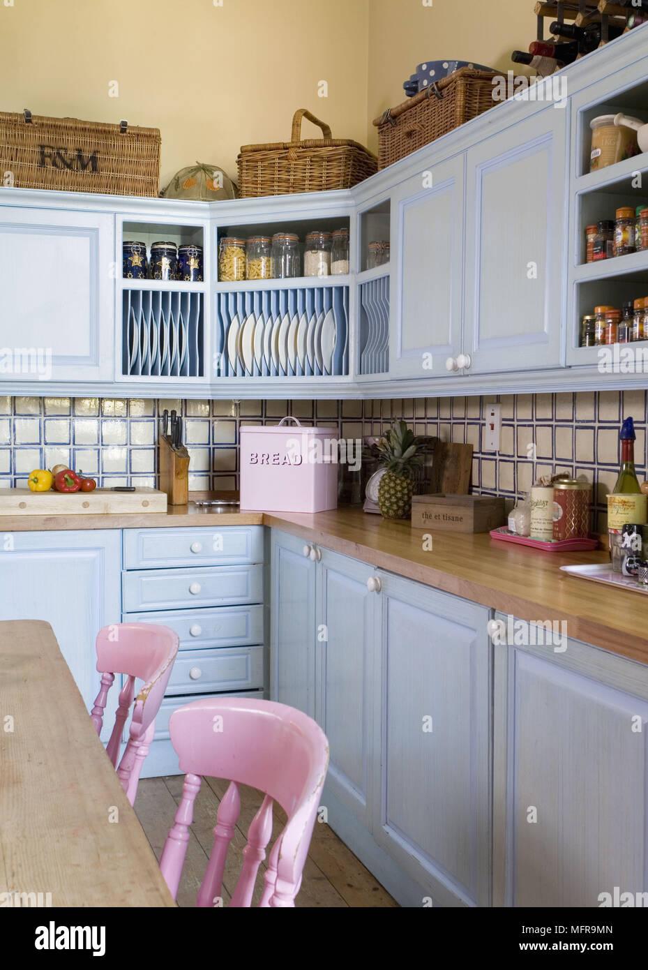 Piano Di Lavoro In Legno Cucina.In Stile Country Cucina Con Unita Blu E Piano Di Lavoro In