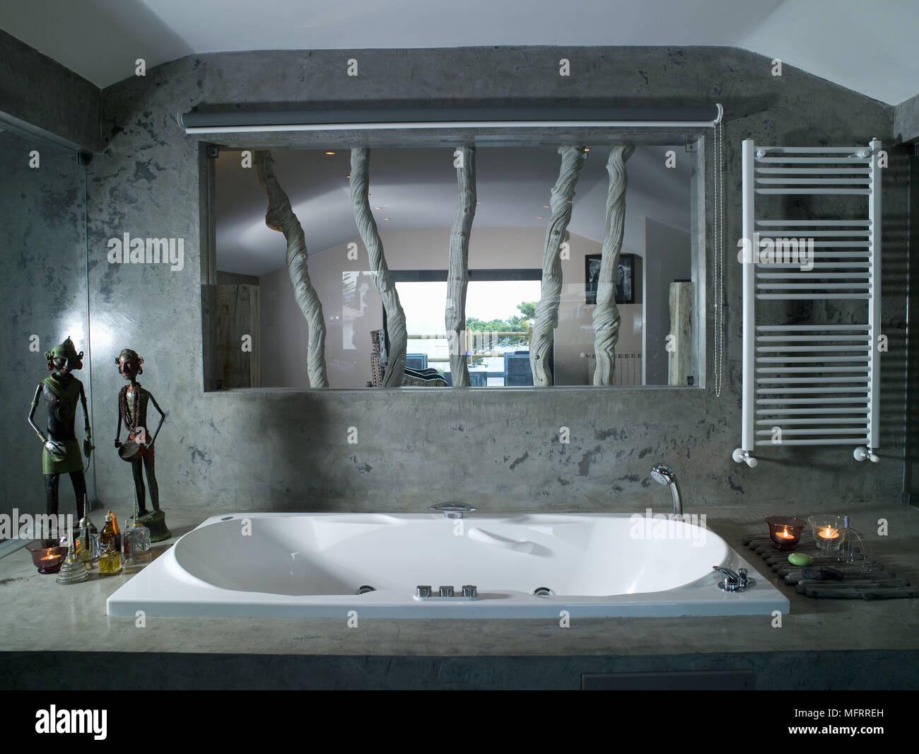 Vasca Da Bagno Vista : Vasca da bagno incassata impostato in marmo circondano sotto la