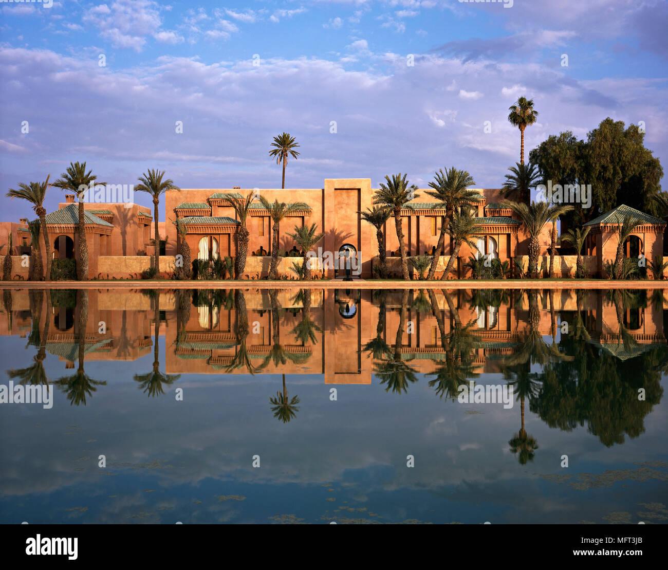 Esterno casa marocchina palme esterni architettura moderna for Architettura casa moderna
