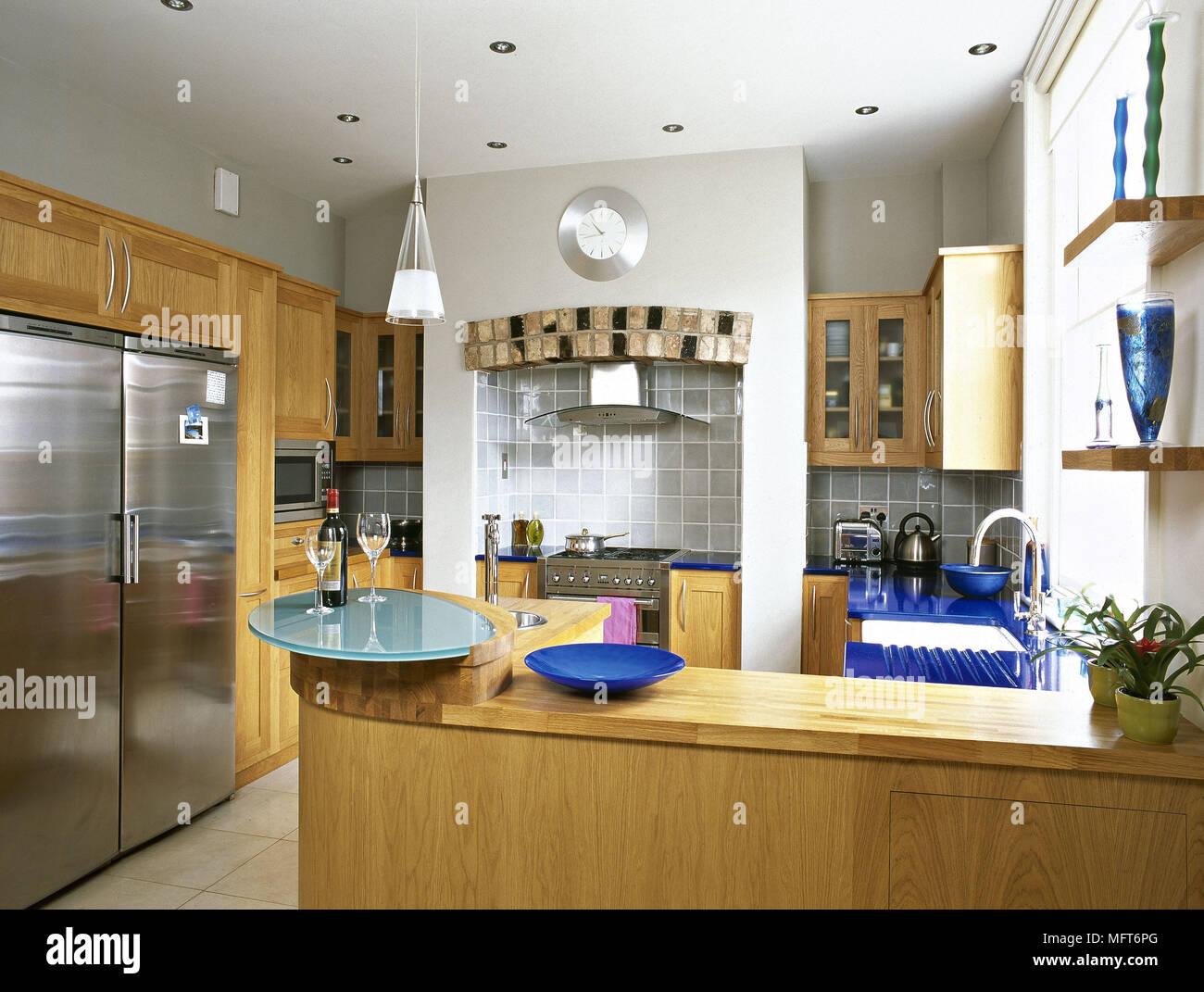 Cucina moderna unità di legno in acciaio inox frigo cucine interni ...