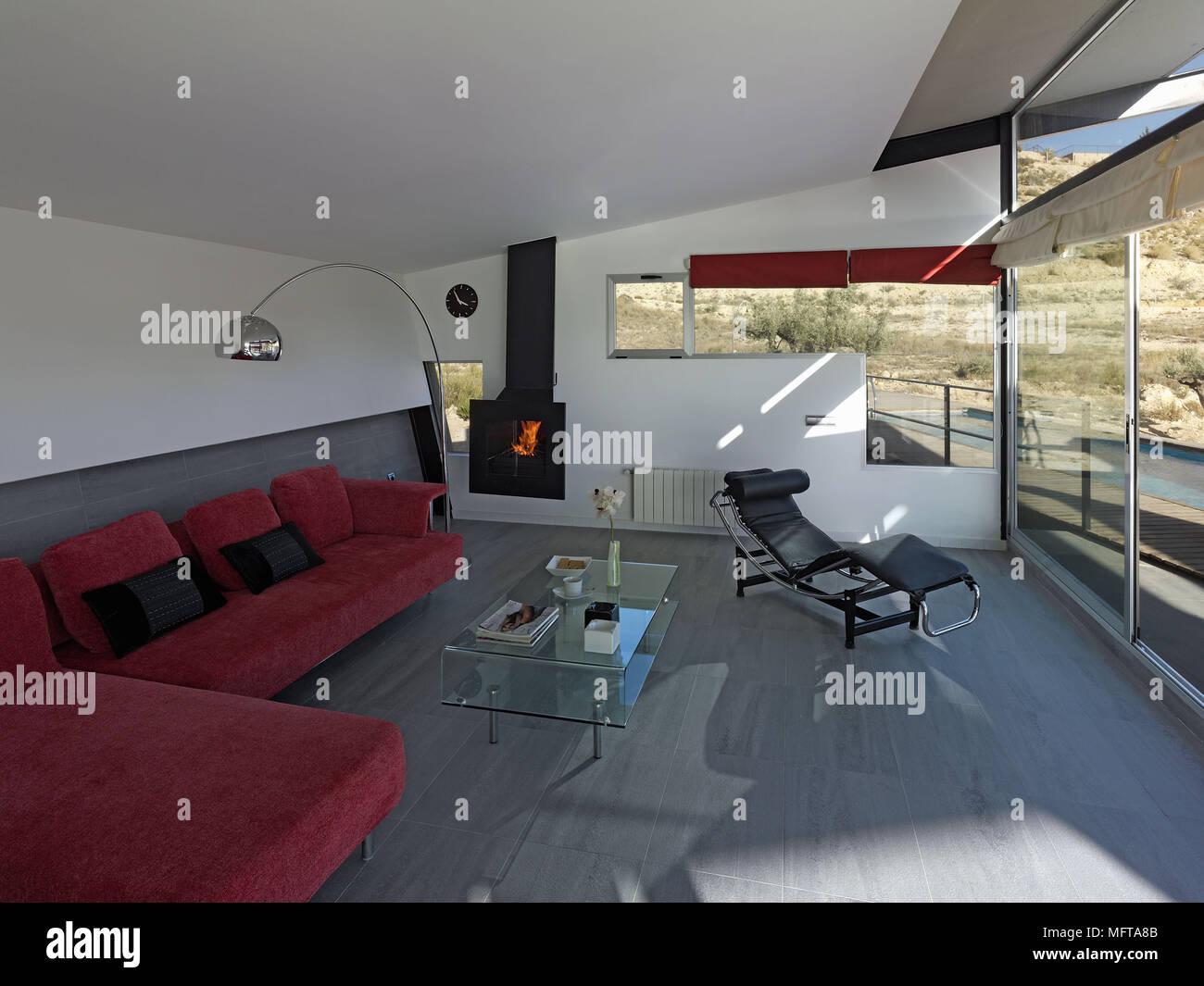 Salotto Le Corbusier.Salotto Rosso E Le Corbusier Poltrona Reclinabile In Moderno