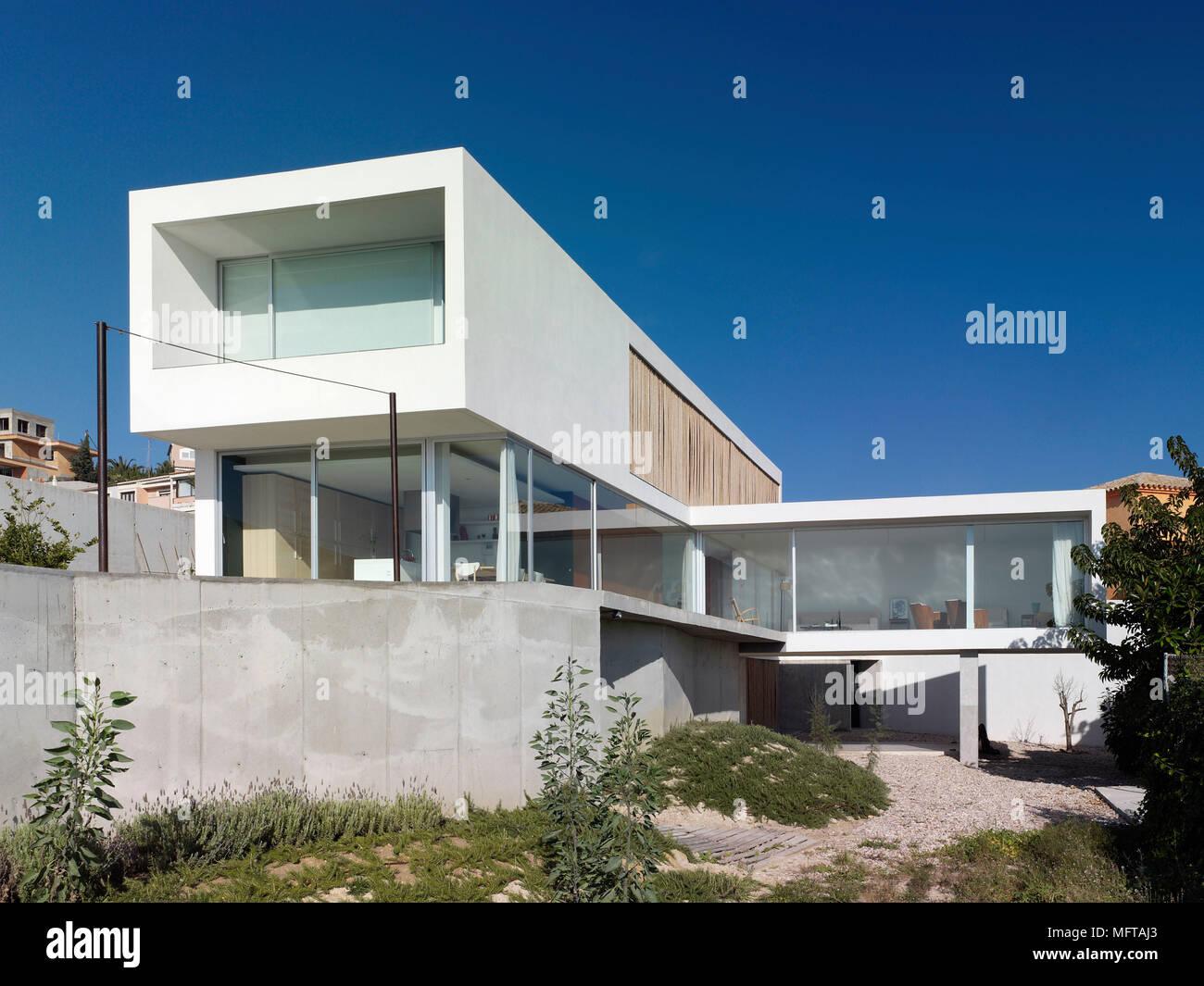 Esterno della casa moderna impostato su diversi livelli for Esterno casa moderna