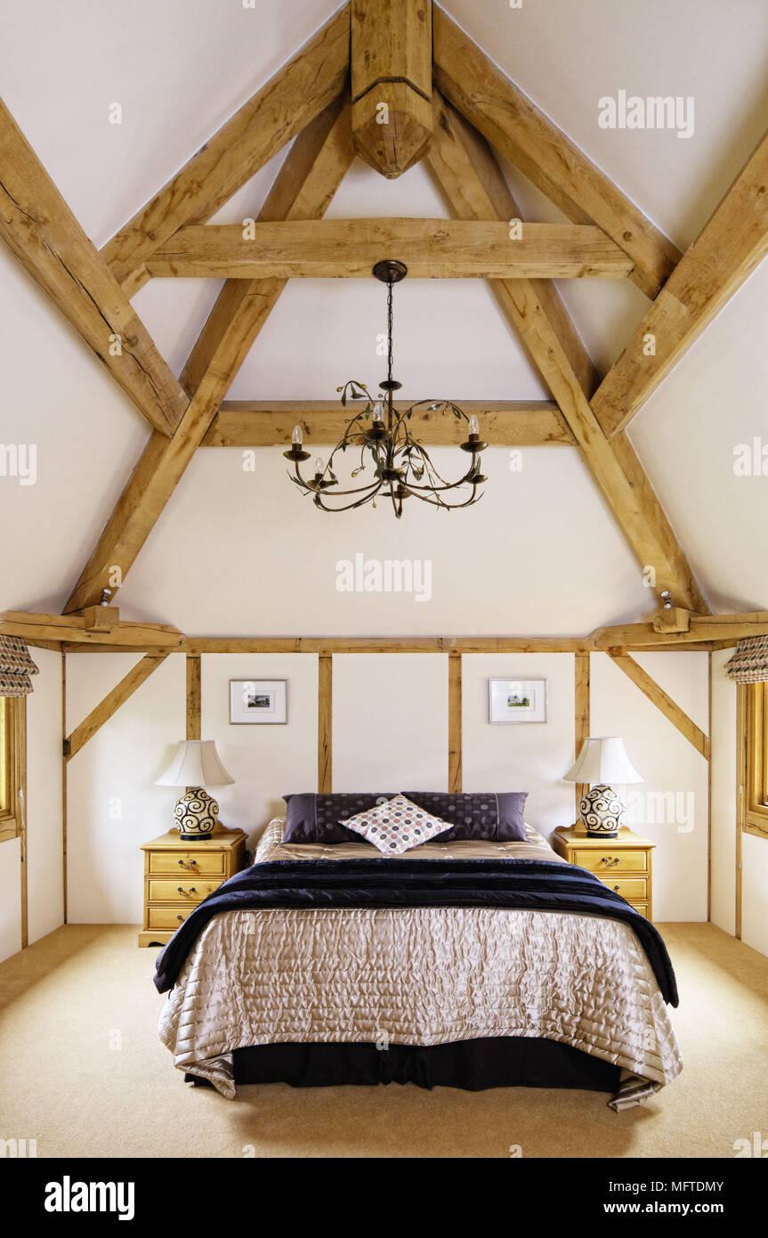 Letto matrimoniale in moderno stile country camera da letto Foto ...
