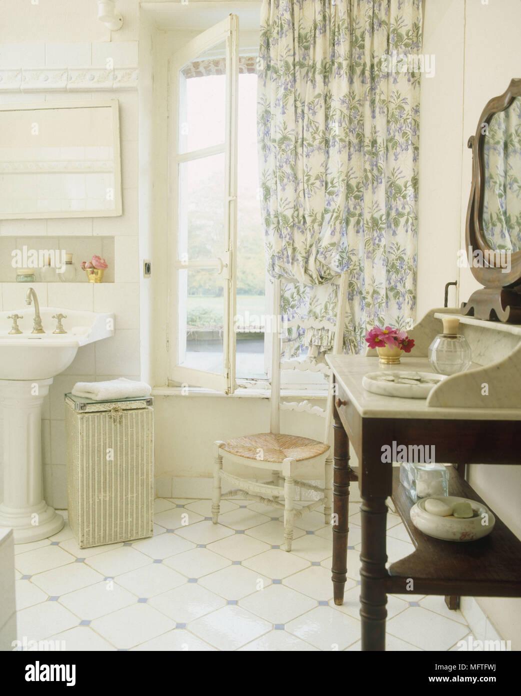 Lavandino Bagno Con Piede lavabo con piedistallo bianco immagini & lavabo con