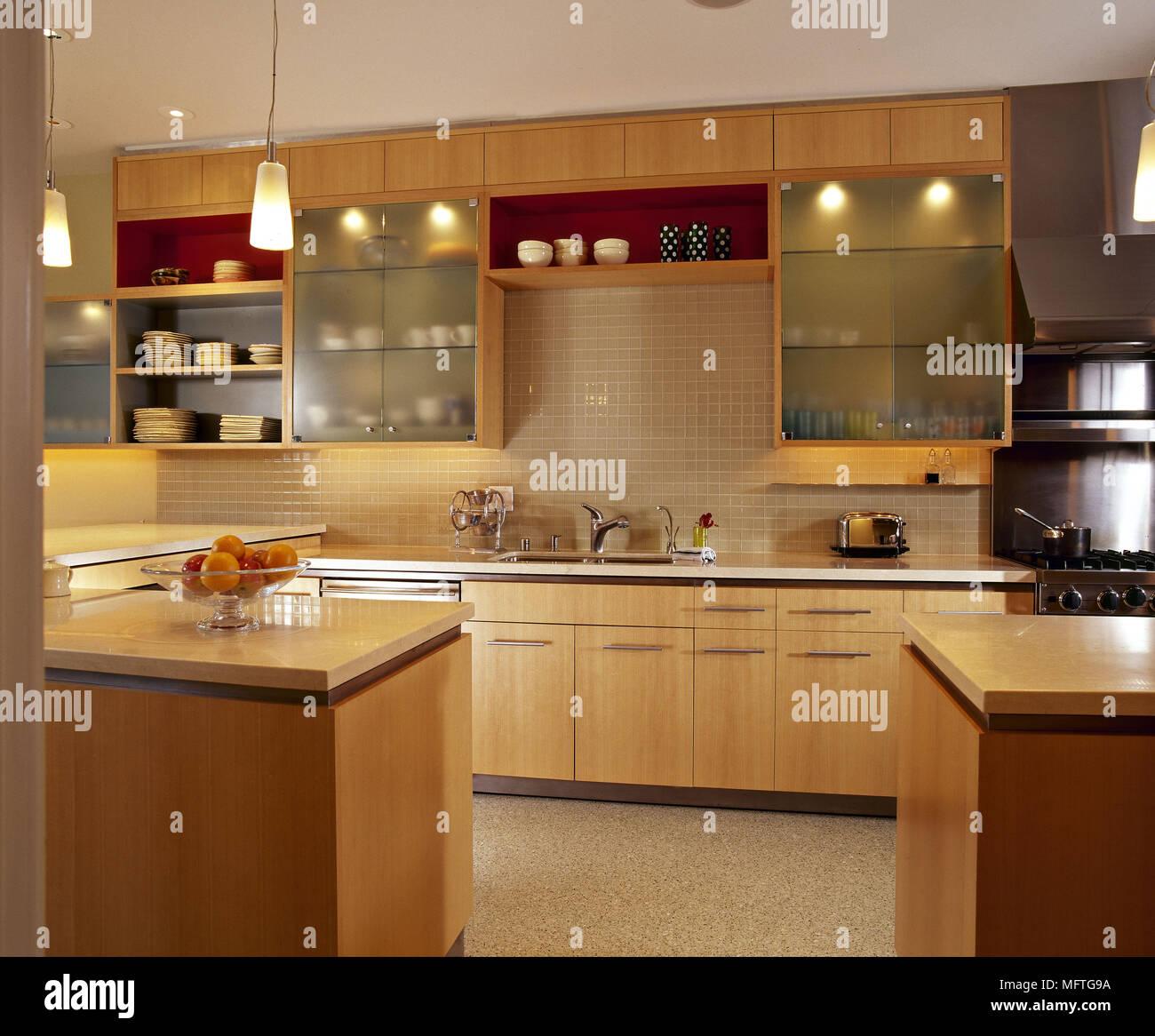 Cucina moderna unità di legno vetro frontale in armadi pareti ...