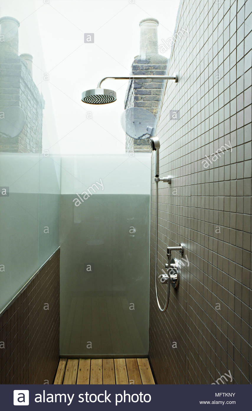 Bathroom mosaic immagini bathroom mosaic fotos stock alamy - Stock piastrelle bagno ...