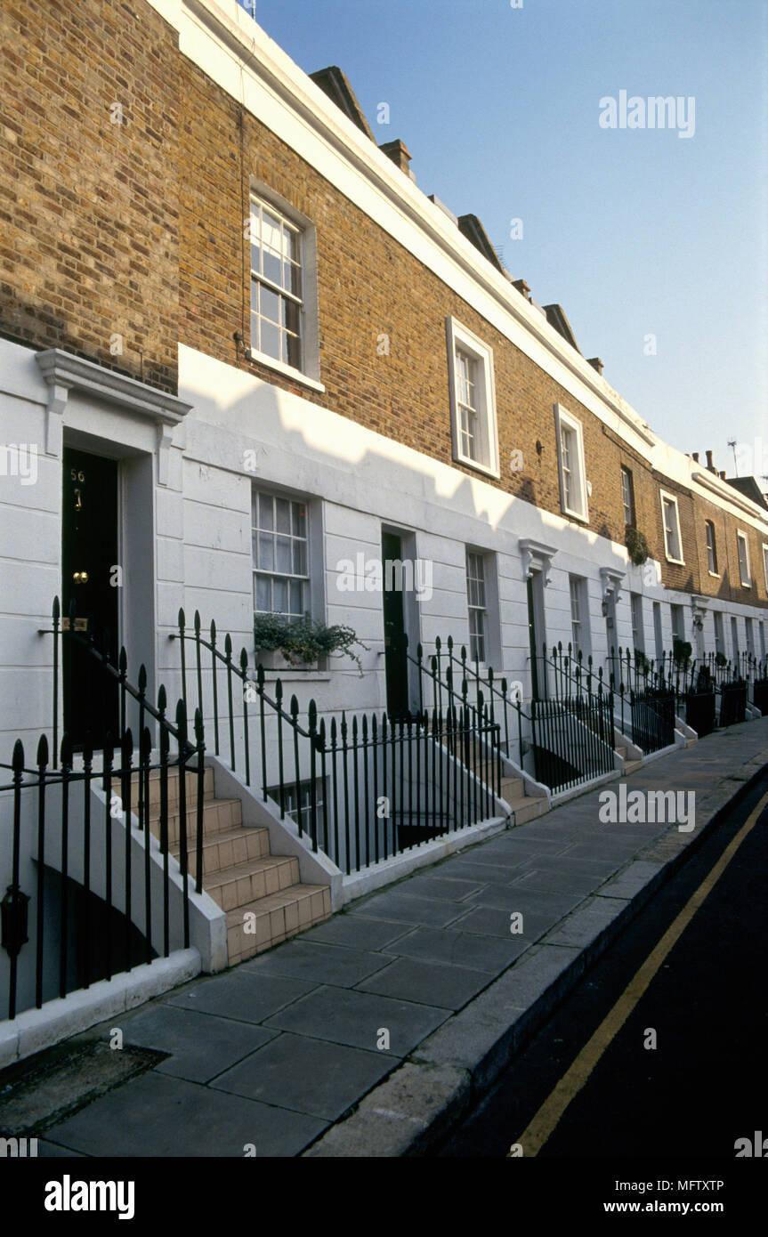 Ringhiere Per Terrazze Esterne la parte esterna di una fila di terrazze coltivate a case