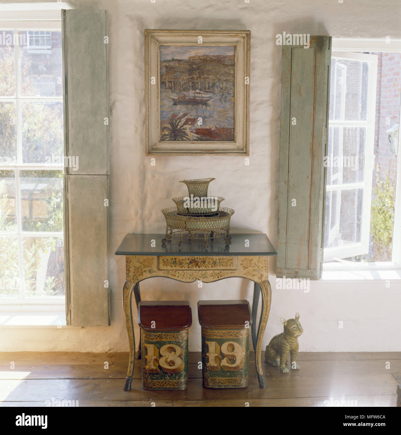 Un dettaglio di una tradizionale camera da letto finestra ...