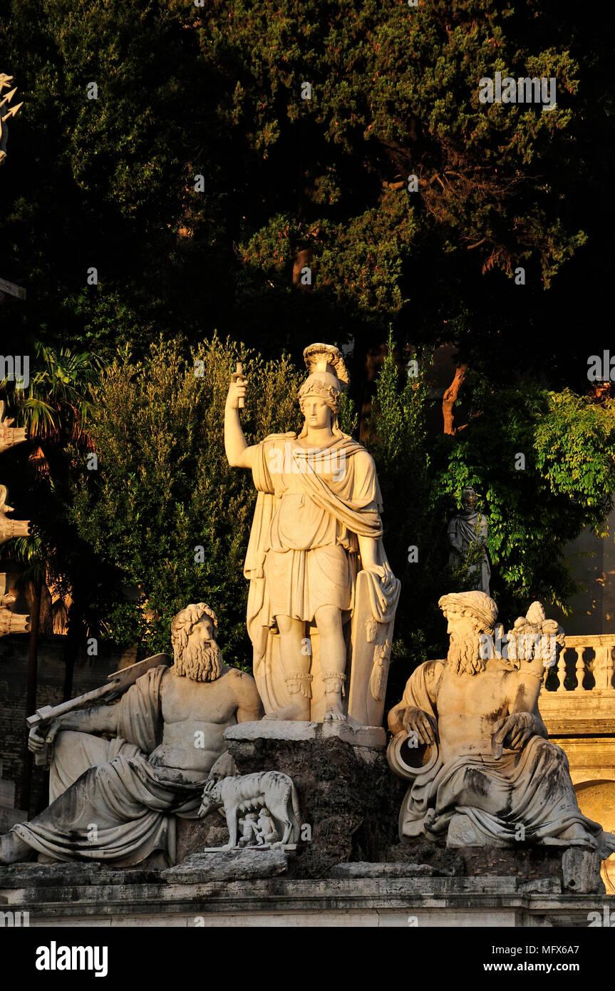 Fontana della Dea Roma (Fontana della Dea di Roma). Piazza del Popolo a Roma. Italia Immagini Stock