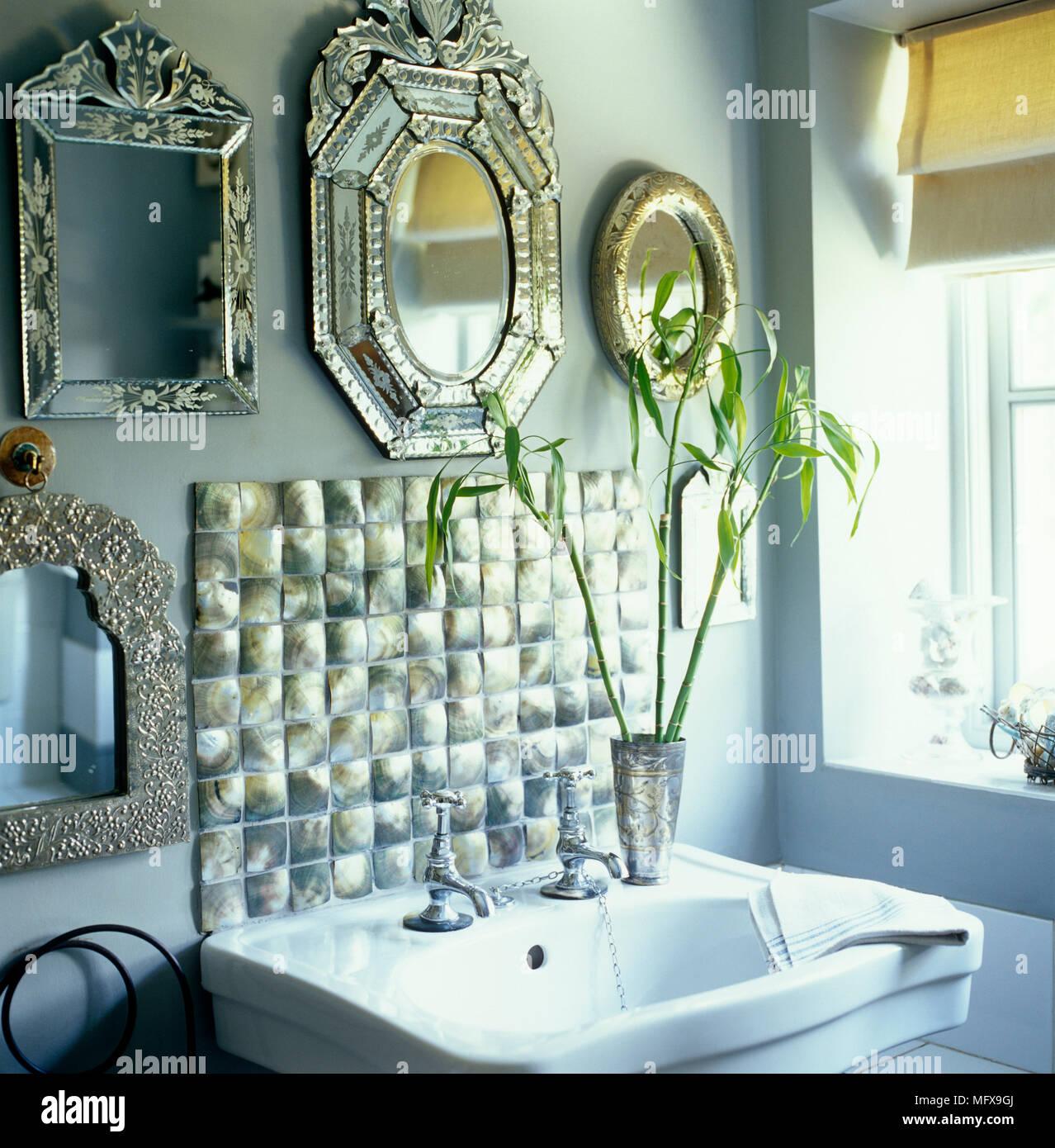 Collezione di specchi veneziani sopra lo stile del periodo - Specchi in stile ...