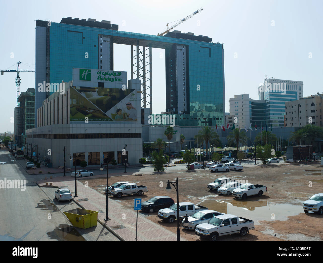 51b6a20b42c La costruzione del nuovo vetro Moderne torri gemelle a Olaya District di  mattina presto a Riyadh