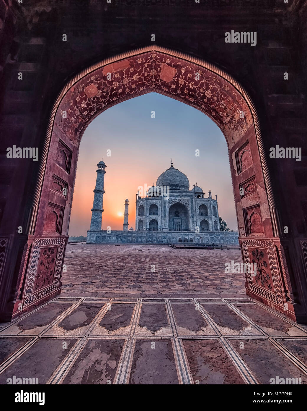 Taj Mahal di sunrise, luce di Agra, India Foto Stock