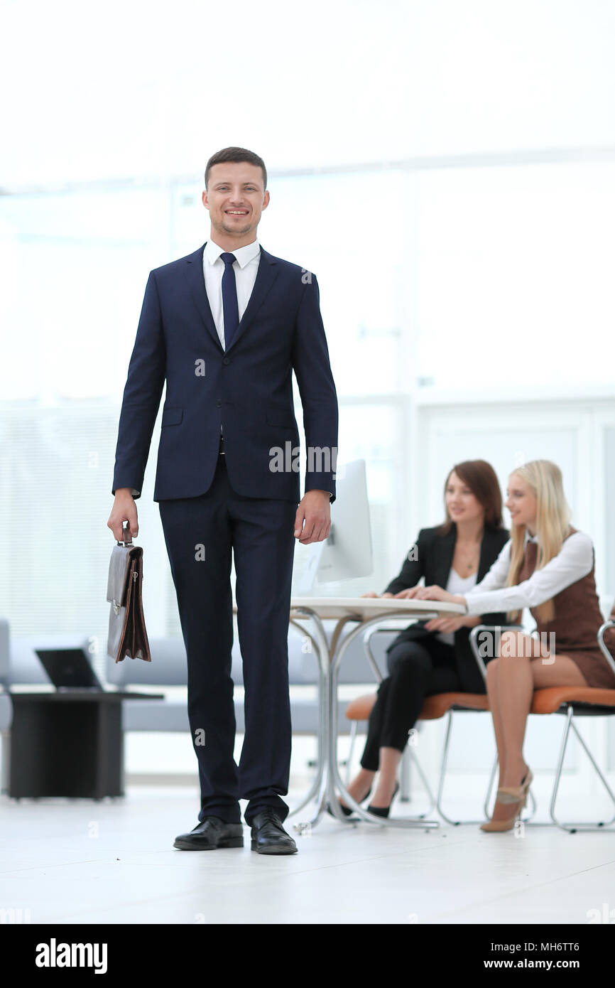 Ritratto di un avvocato in background dell'ufficio. la gente di affari Immagini Stock