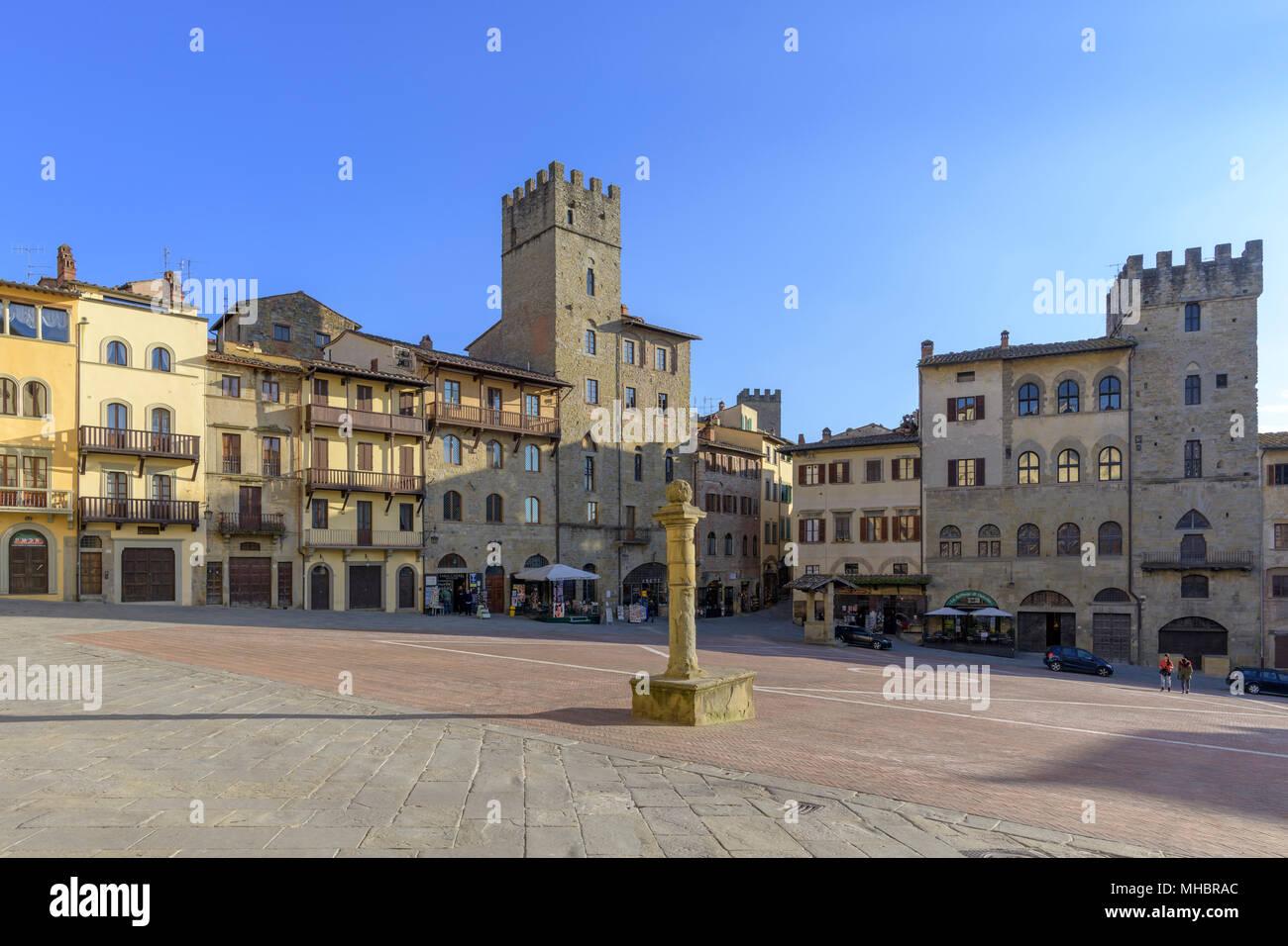 Case Toscane Arezzo : Piazza grande con le case patrizie arezzo toscana italia foto
