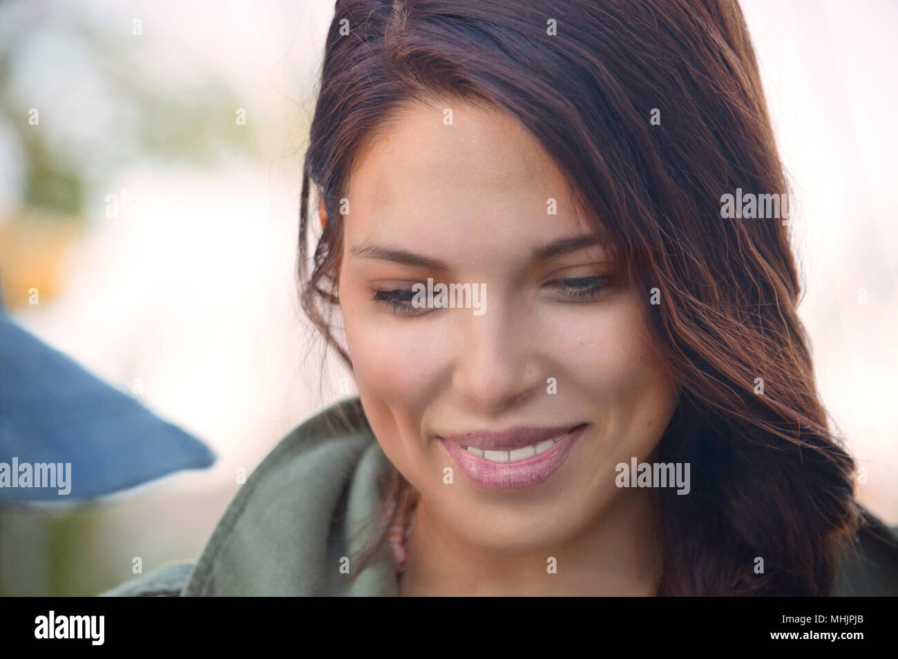 Immagini ragazza capelli neri