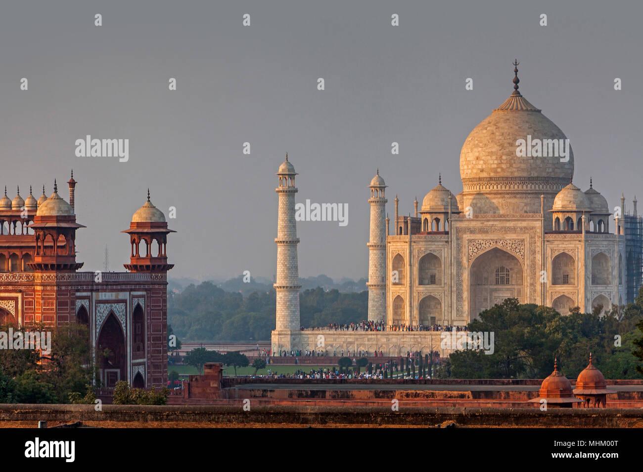 Taj Mahal, Sito Patrimonio Mondiale dell'UNESCO, Agra, Uttar Pradesh, India Immagini Stock