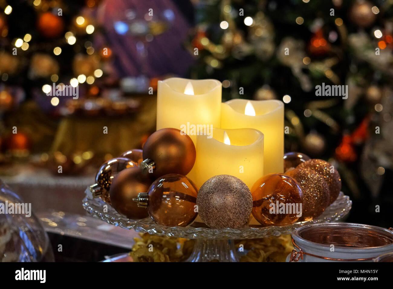 Decorare Candele Di Natale : Le candele di natale ornamenti e decorazioni al tradizionale