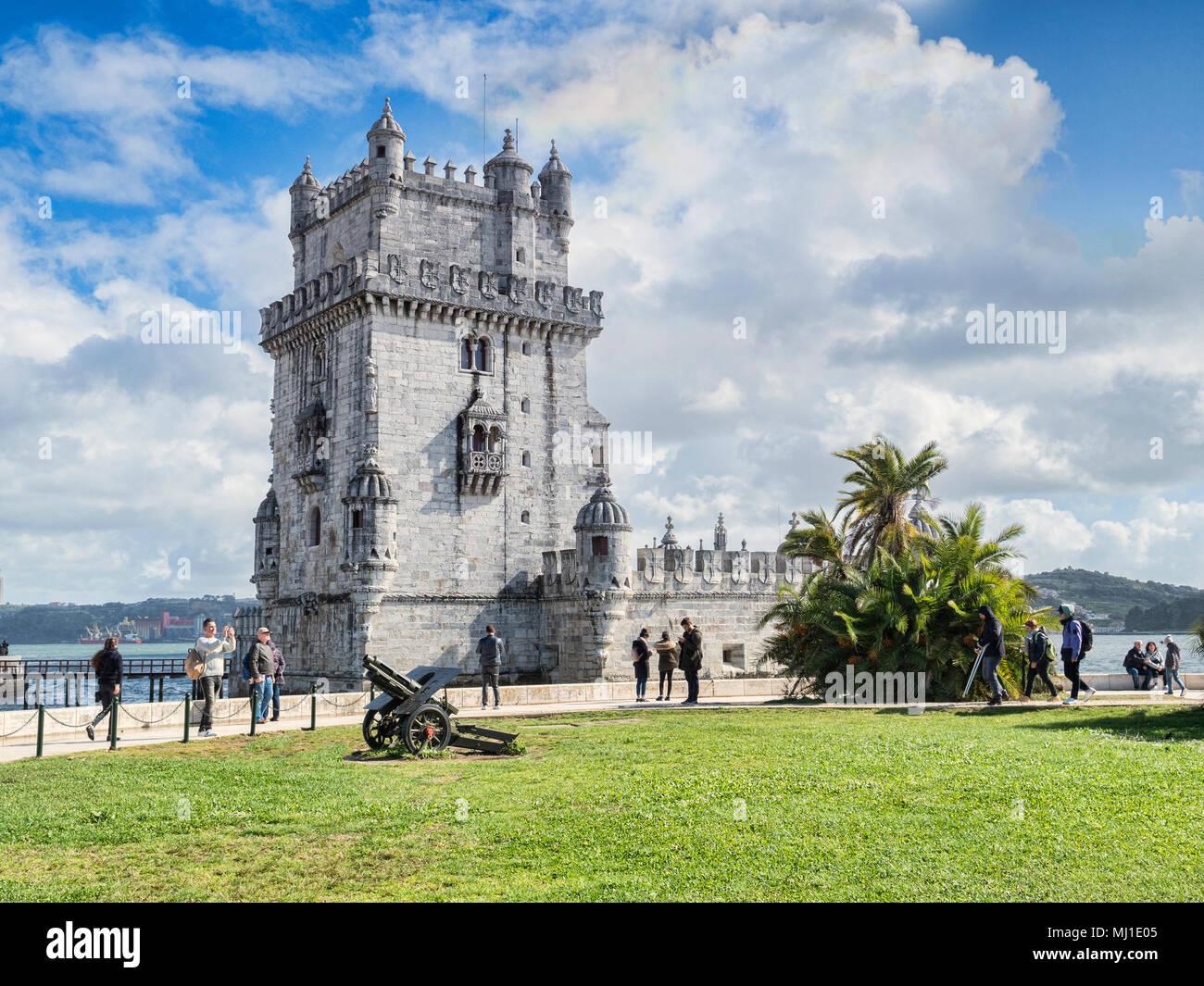 5 Marzo 2018: Lisbona Portogallo - La Torre di Belem, famoso punto di riferimento e Patrimonio mondiale dell UNESCO. Foto Stock