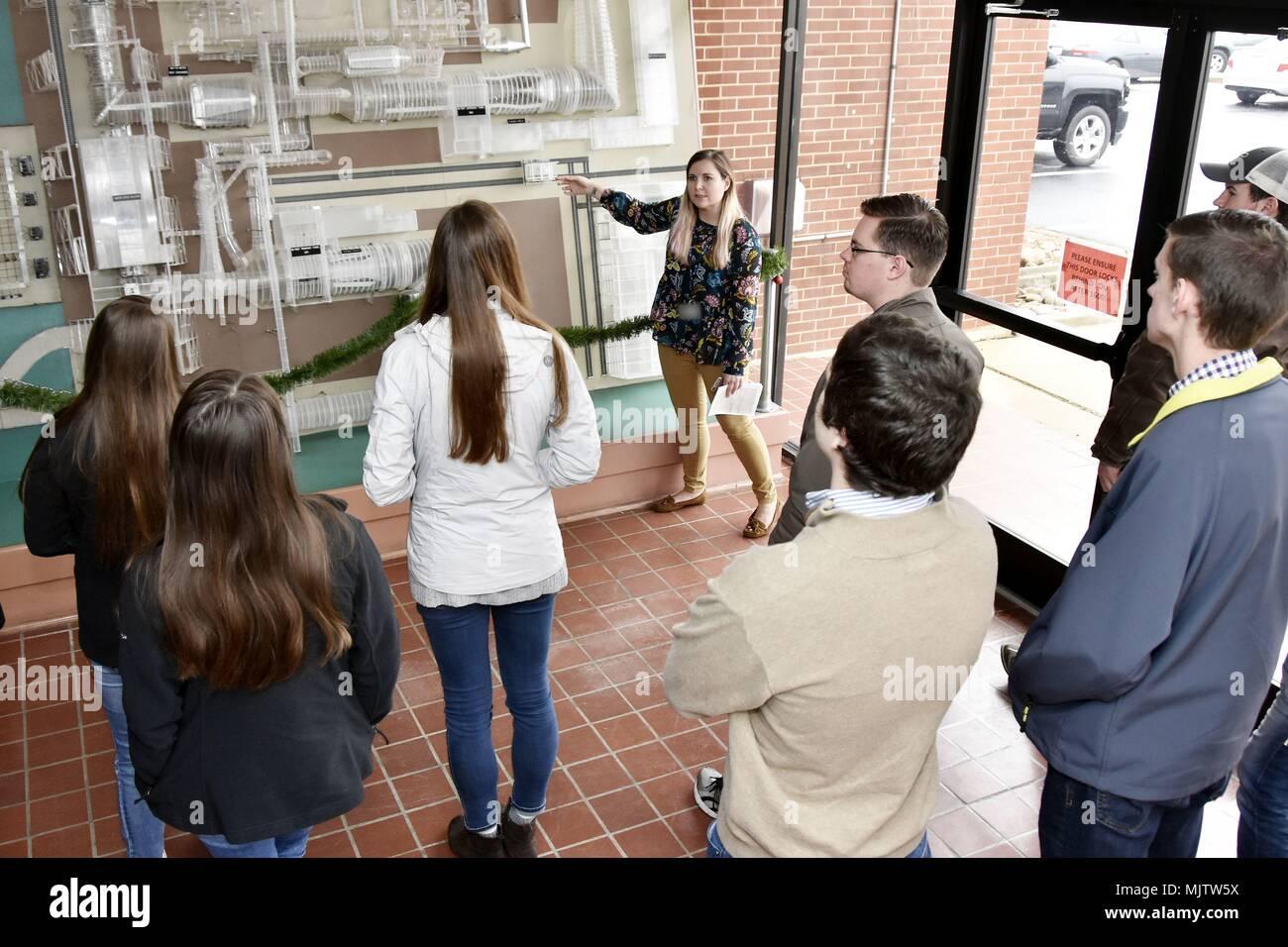 Ufficio Per Esterni : Deidre ortiz tour escort con il aedc affari esterni e ufficio