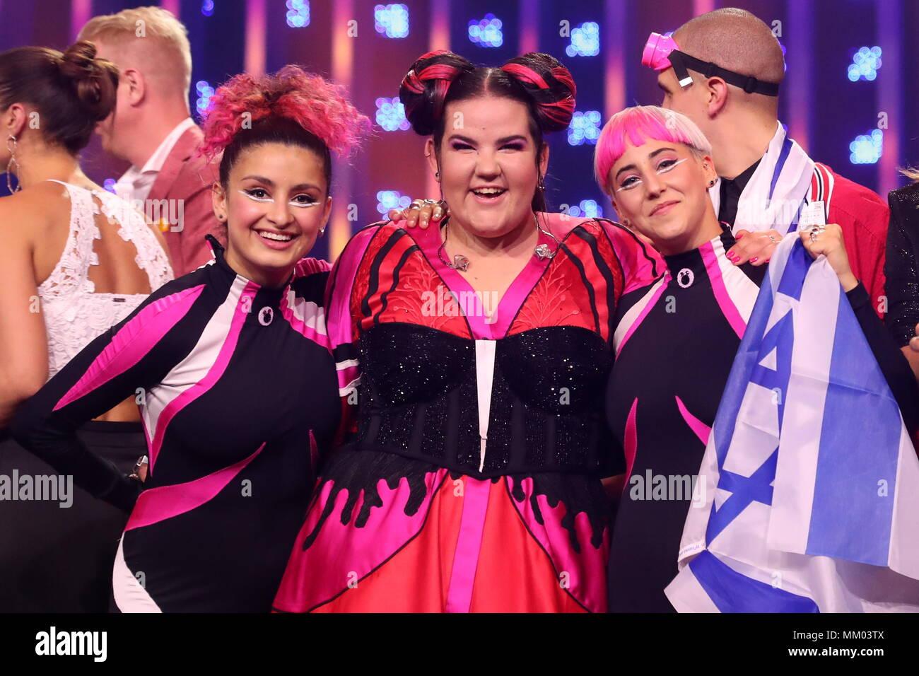 Lisbona, Portogallo. 09 Maggio, 2018. Lisbona, Portogallo - 8 Maggio 2018:  Singer Netta Barzilai (C) in rappresentanza di Israele nella prima  semifinale della 63a edizione del 2018 Concorso Eurovisione della canzone a