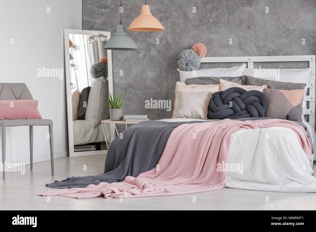 Camera da letto lampadario. elegant lampadario camera letto