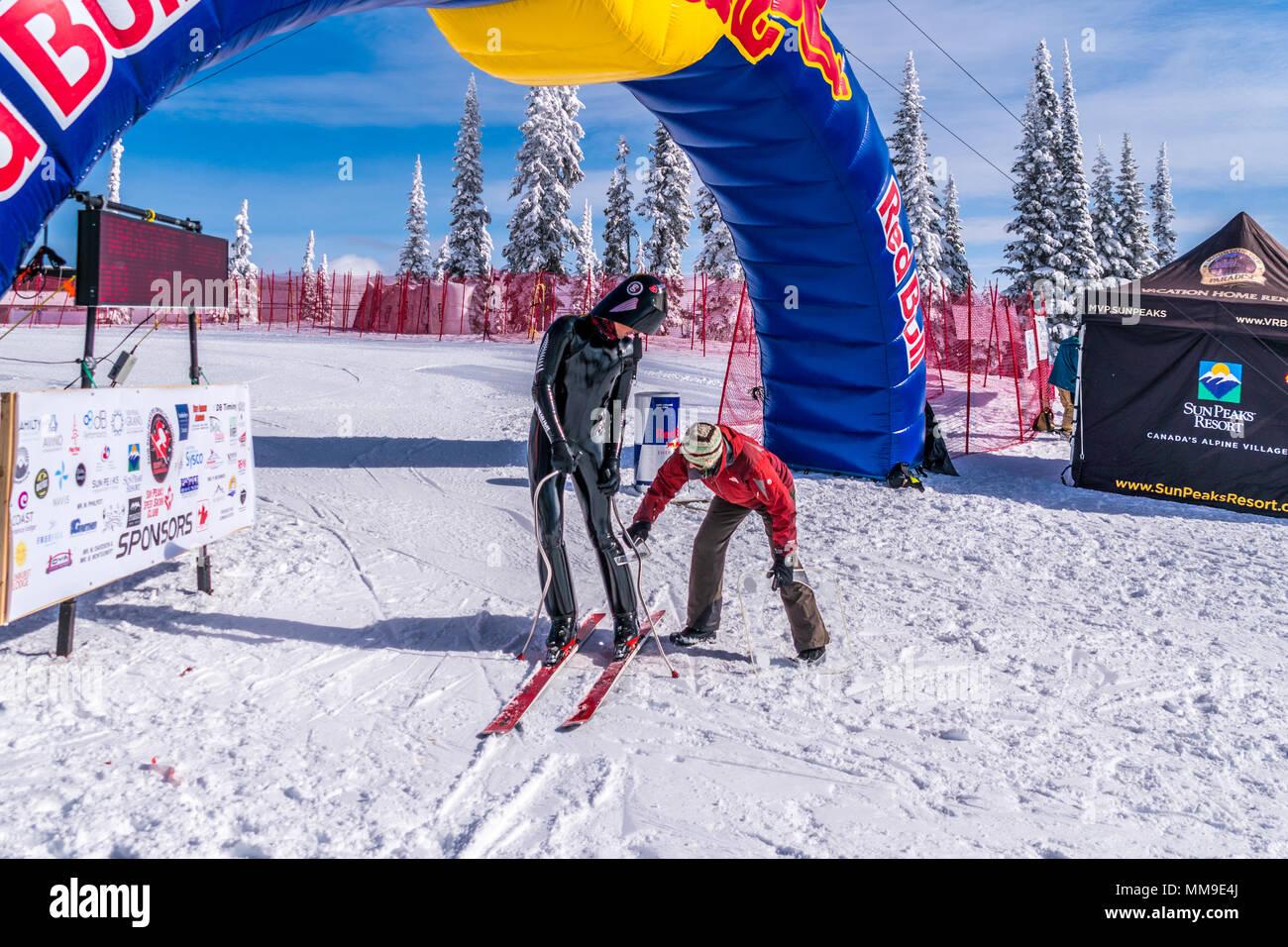 Internazionale gare di velocità presso la famosa international ski resort di sole picchi nella splendida British Columbia, Canada Immagini Stock